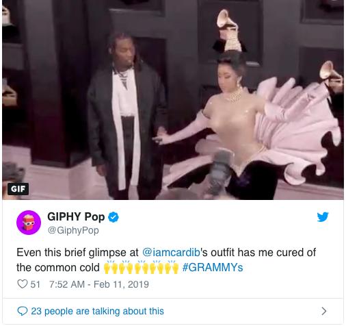 Cosplay nữ thần ngọc trai tại Grammy, Cardi B làm fan thắc mắc: Đây là trái chuối bóc vỏ hay phù thủy bạch tuộc? - Ảnh 3.