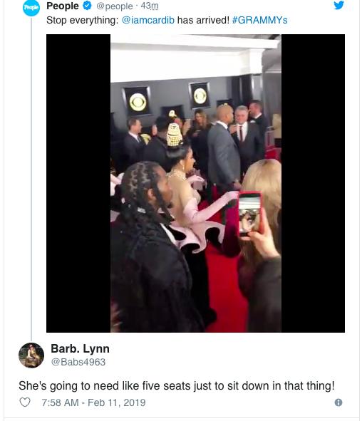 Cosplay nữ thần ngọc trai tại Grammy, Cardi B làm fan thắc mắc: Đây là trái chuối bóc vỏ hay phù thủy bạch tuộc? - Ảnh 6.