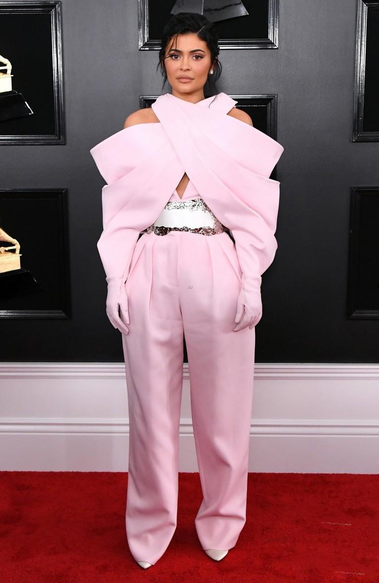 Mặc cùng một BST: Katy Perry trông lạ mắt, Kylie Jenner thì chiếm trọn spotlight tại Grammy vì... mặc xấu - Ảnh 11.