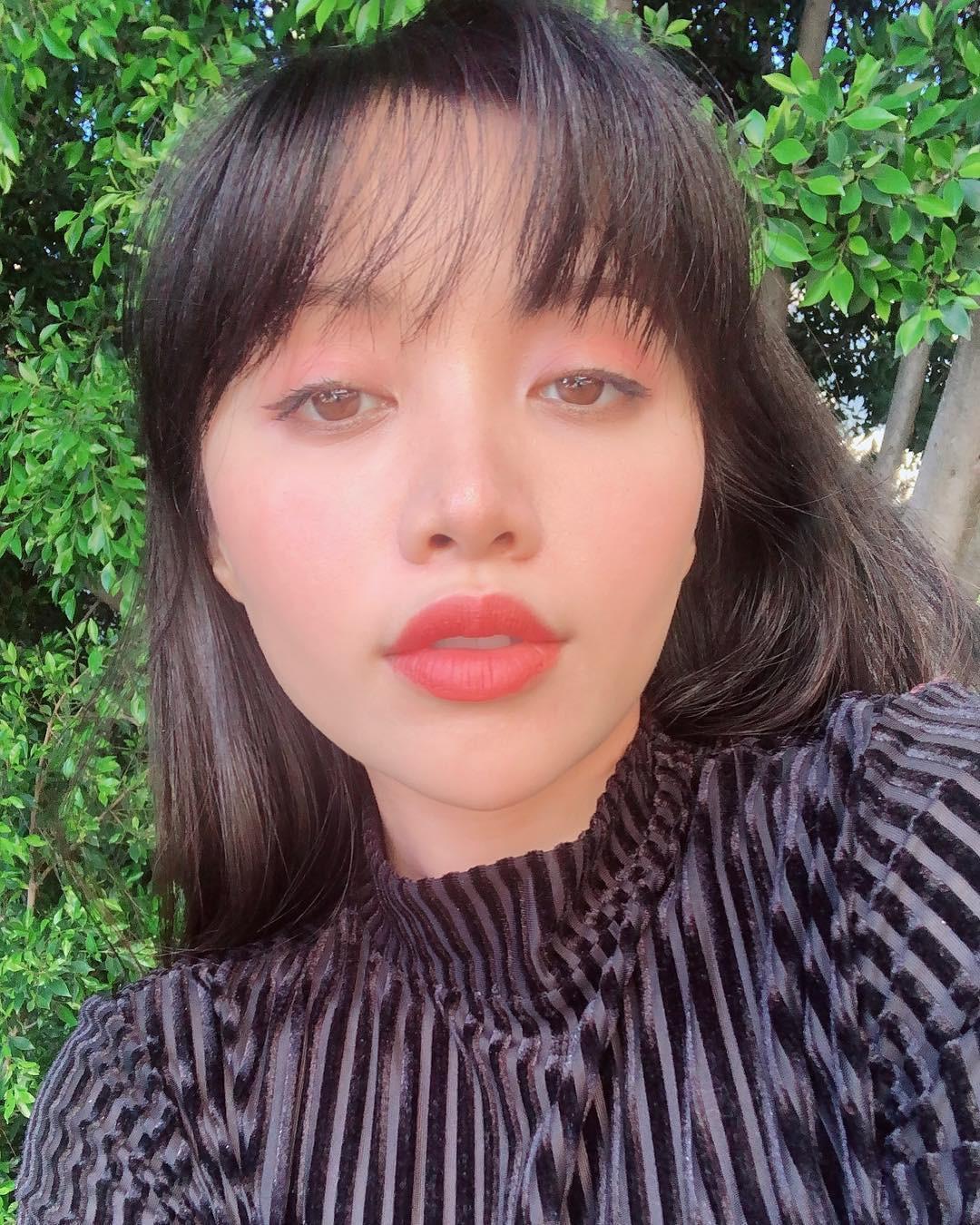 2 bí kíp makeup đơn giản nhưng max xinh của Michelle Phan: một kiểu sang chảnh, một kiểu hack tuổi cực hiệu quả - Ảnh 7.