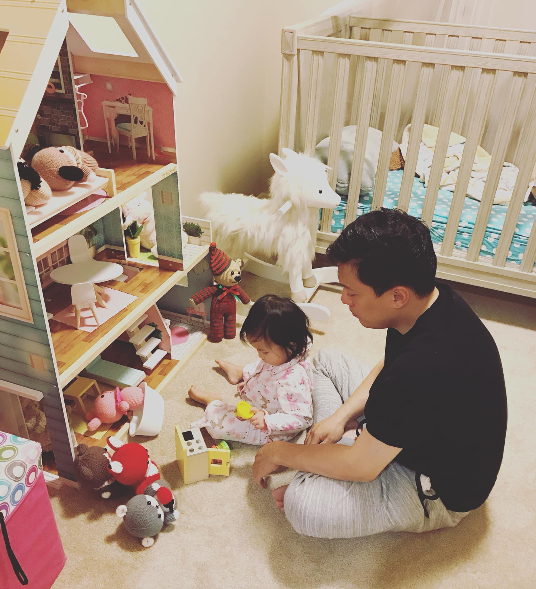 Cuộc sống không như mơ của bà xã sao Việt nơi trời Tây: xa chồng thường xuyên, vừa làm việc vừa chăm sóc con nhỏ - Ảnh 6.