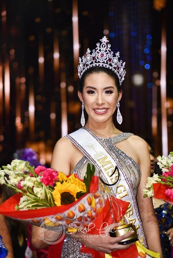 Hoa hậu Toàn cầu 2019 kém sắc, Á hậu bị trao nhầm giải, nhưng đỉnh điểm tràng cười lại là cô Á hậu tuột vương miện - Ảnh 1.