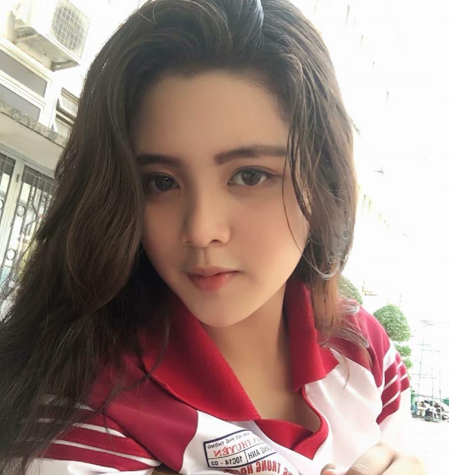 Báo Trung phát sốt về một nữ sinh Việt mặc áo dài, khen ngợi nhan sắc xinh đẹp đủ tầm tham gia showbiz - Ảnh 5.