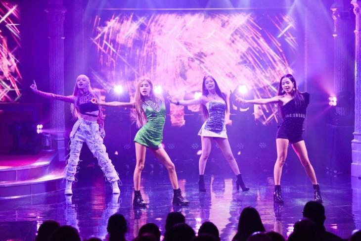 Black Pink debut trên sóng truyền hình Mỹ: No.1 top trend toàn thế giới nhưng vẫn bị chê vì điều này - Ảnh 3.