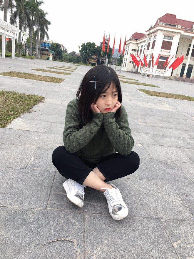 Cười rạng rỡ khi bán xúc xích, cô gái lớp 11 bỗng dưng được nhiều người kết bạn - Ảnh 8.