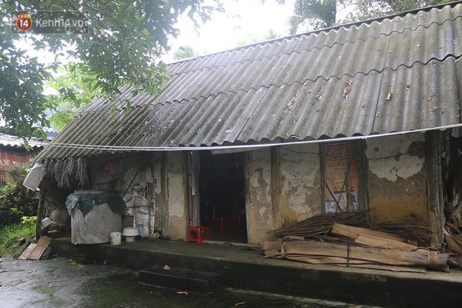 Ngôi nhà lụp xụp trước đây nơi cụ Lan ở, có thể đổ sập bất cứ lúc nào.
