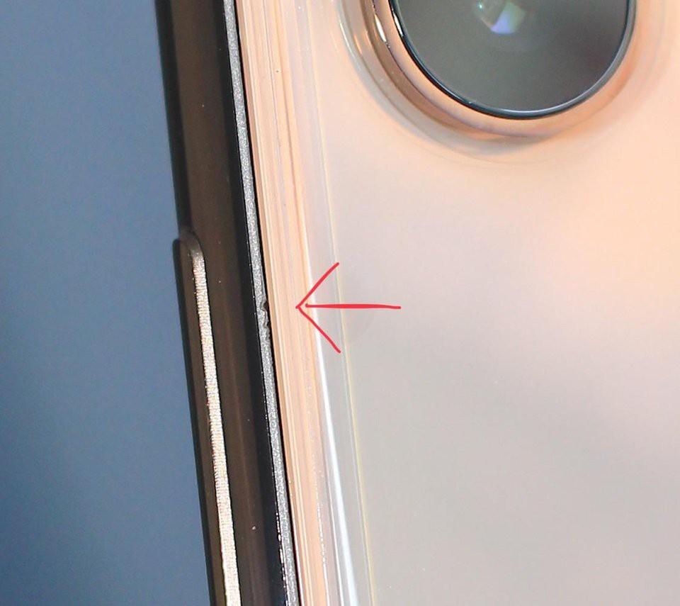 Lên mạng bóc phốt om sòm iPhone XS Max lỗi, tưởng được cảm thông ai ngờ hứng gạch phản đam ỏm tỏi - Ảnh 1.