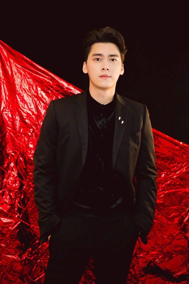 Dính tin đồn công khai tình cảm vào ngày Valentine, 2 tài tử Hồ Ca - Lý Dịch Phong bất ngờ lên tiếng - Ảnh 1.