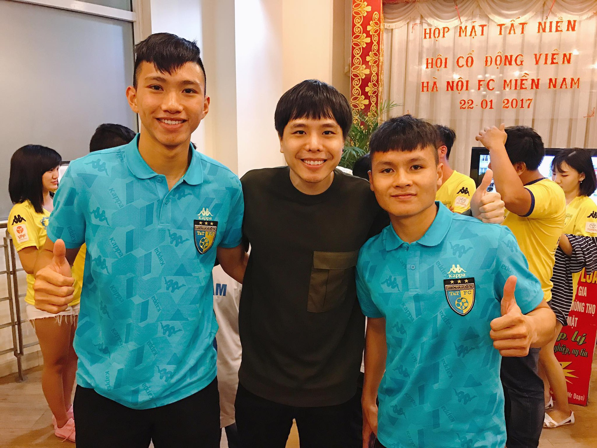 Mối quan hệ đặc biệt giữa Trịnh Thăng Bình với Duy Mạnh, Quang Hải và dàn tuyển thủ Việt đang hot nhất trên sân cỏ - Ảnh 7.