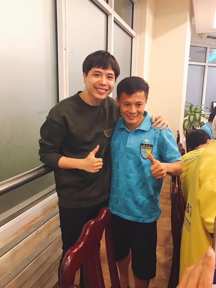 Mối quan hệ đặc biệt giữa Trịnh Thăng Bình với Duy Mạnh, Quang Hải và dàn tuyển thủ Việt đang hot nhất trên sân cỏ - Ảnh 8.