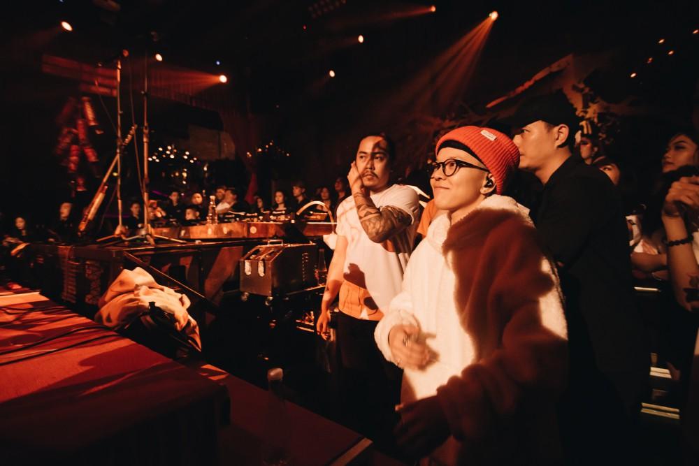 Đêm Valentine đi concert của Tiên Tiên cùng Justatee, Đen Vâu, Vũ... giới trẻ Hà Nội phải mang về biết bao nhiêu là thương nhớ - Ảnh 3.
