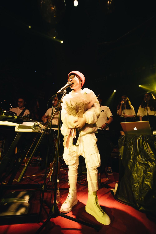Đêm Valentine đi concert của Tiên Tiên cùng Justatee, Đen Vâu, Vũ... giới trẻ Hà Nội phải mang về biết bao nhiêu là thương nhớ - Ảnh 4.