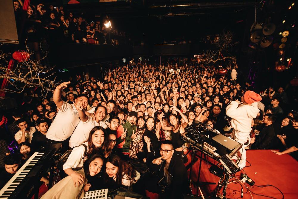 Đêm Valentine đi concert của Tiên Tiên cùng Justatee, Đen Vâu, Vũ... giới trẻ Hà Nội phải mang về biết bao nhiêu là thương nhớ - Ảnh 18.