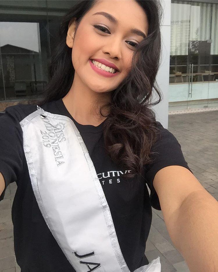 Mỹ nhân 18 tuổi vừa lên ngôi Hoa hậu Indonesia: Xinh xắn nhưng khả năng nói 4 thứ tiếng, học lực mới gây ngỡ ngàng - Ảnh 5.