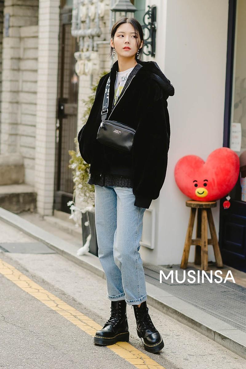 Street style giới trẻ Hàn tuần qua đẹp, chất quá mức quy định, không tham khảo để lên đồ chụp ảnh sống ảo thì hơi phí - Ảnh 9.