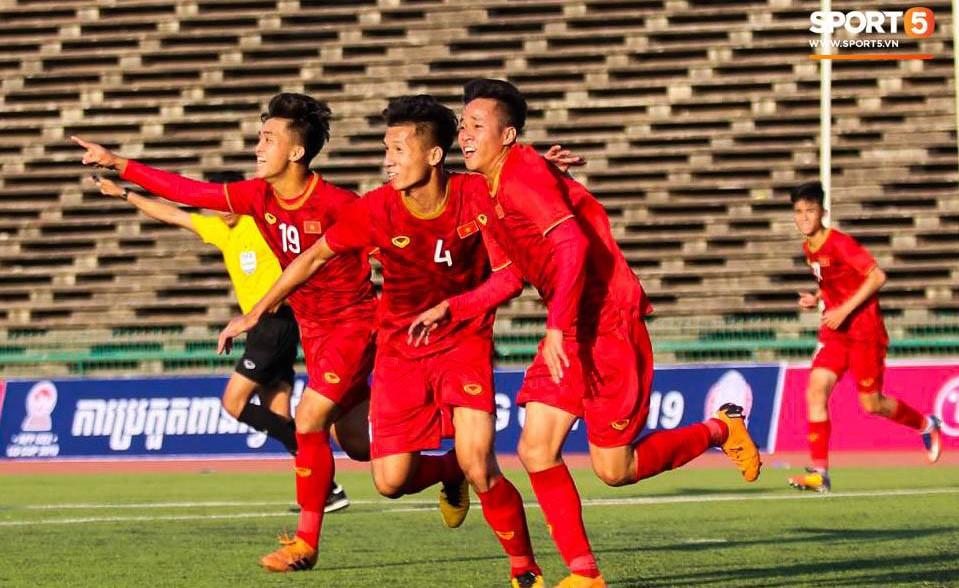 U22 Việt Nam 2-1 U22 Philippines: Lội ngược dòng trước Philippines, tuyển Việt Nam có chiến thắng đầu tiên trong lịch sử tại giải U22 ĐNA - Ảnh 3.