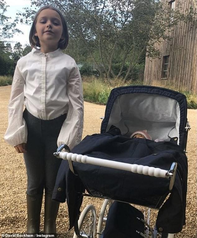 Harper Beckham là em chồng trong mơ của mọi cô gái: 7 tuổi đã tự tay làm bữa sáng cho chị dâu tương lai! - Ảnh 2.