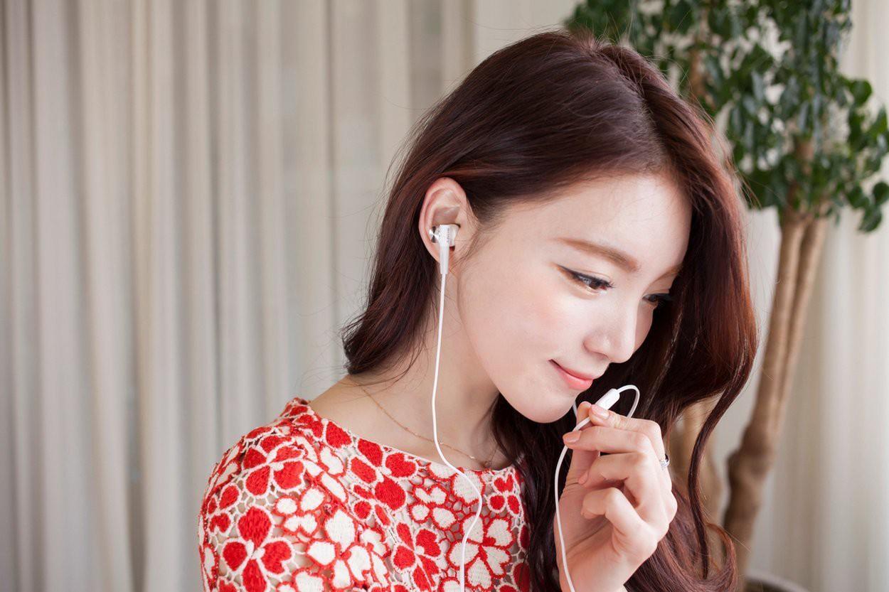 Dùng điện thoại thường xuyên hãy nhớ kỹ 4 điều này để không làm tổn hại da mặt - Ảnh 5.