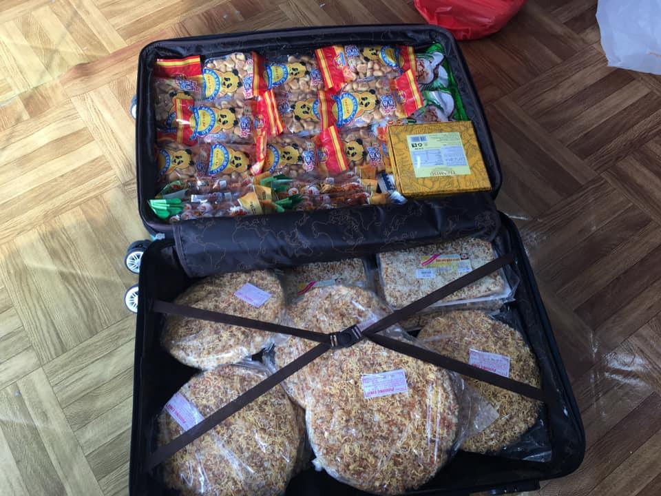 Chuyện thật như đùa: Du học sinh Việt nhét đầy vali toàn Băng vệ sinh, mỳ tôm để quay lại trường sau Tết - Ảnh 4.