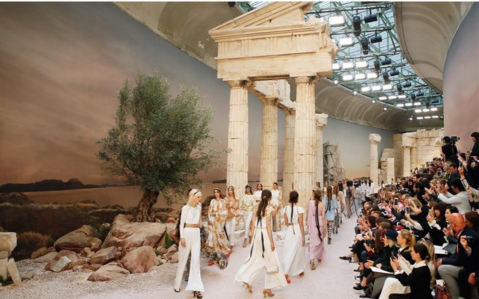 14 show diễn huyền thoại của Chanel dưới thời Karl Lagerfeld khiến giới mộ điệu thổn thức - Ảnh 7.