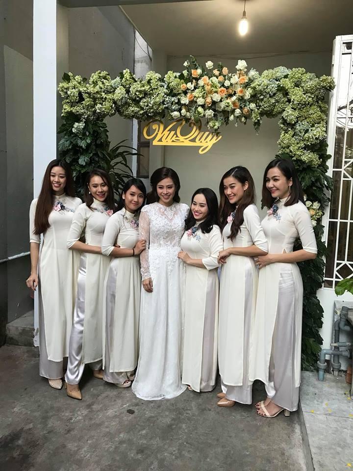 Vợ chồng Ái Châu - Huỳnh Đông cùng dàn diễn viên nổi tiếng bưng quả trong đám hỏi sao nữ Gạo nếp gạo tẻ - Ảnh 5.