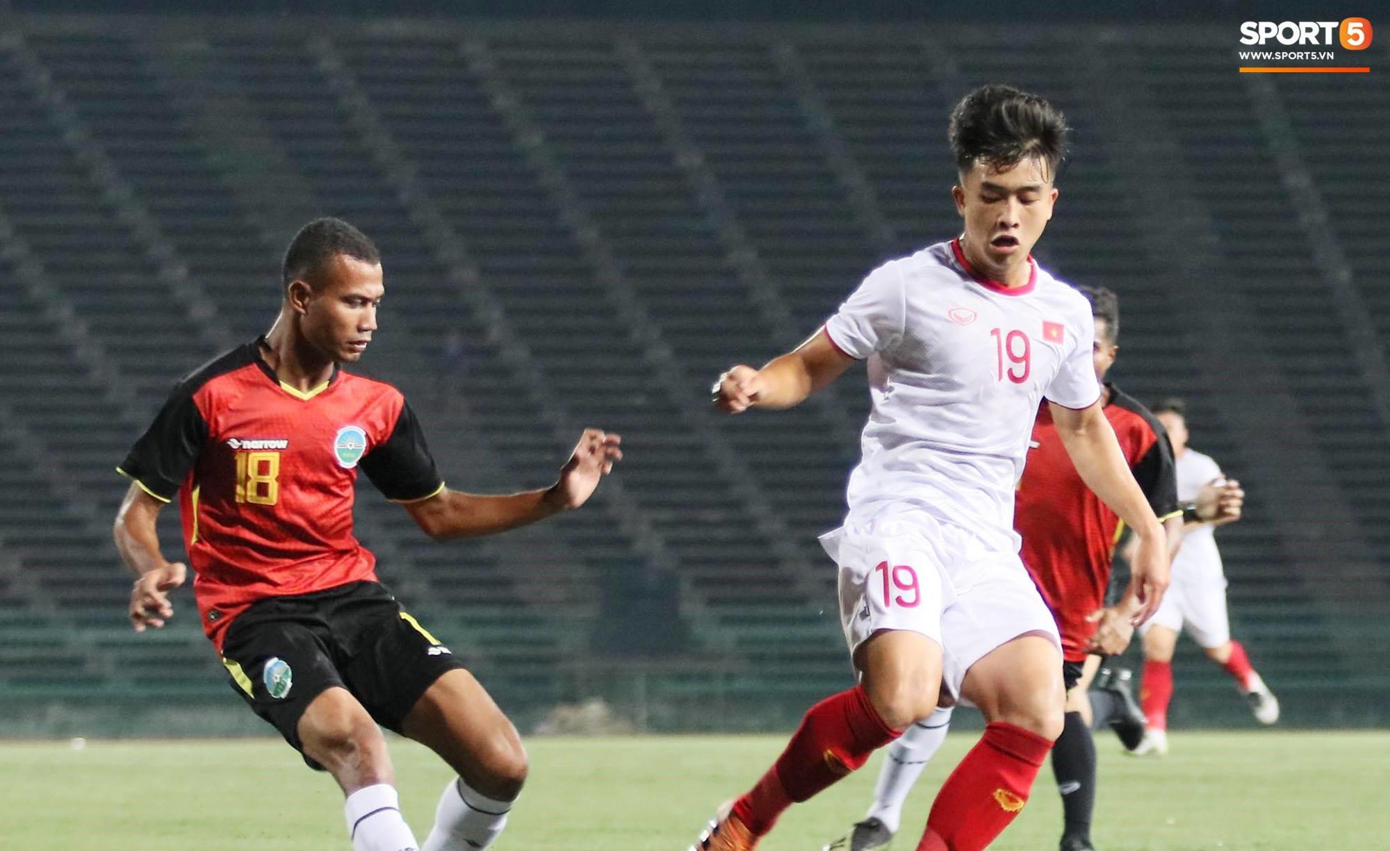 Trực tiếp U22 Việt Nam 0-0 U22 Campuchia [Tranh hạng 3 Đông Nam Á]: U22 Việt Nam may mắn thoát thua - Ảnh 1.