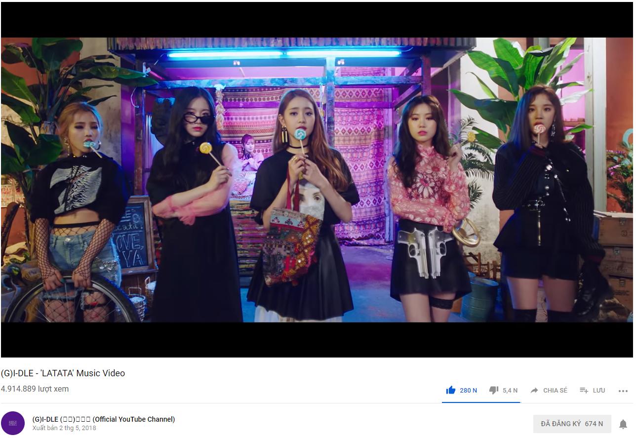 MV debut đạt trăm triệu view, tân binh máu mặt nào của năm 2018 vừa lập thành tích ngang cơ TWICE và BLACKPINK? - Ảnh 2.