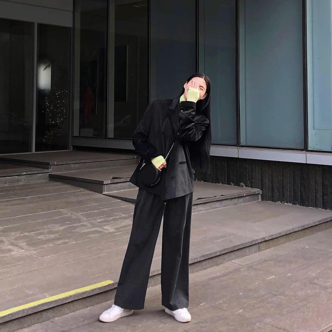 Street style giới trẻ Hàn tuần qua: nữ tính, cá tính, chất chơi chiêu nào cũng có và đều đẹp ngất ngây - Ảnh 1.