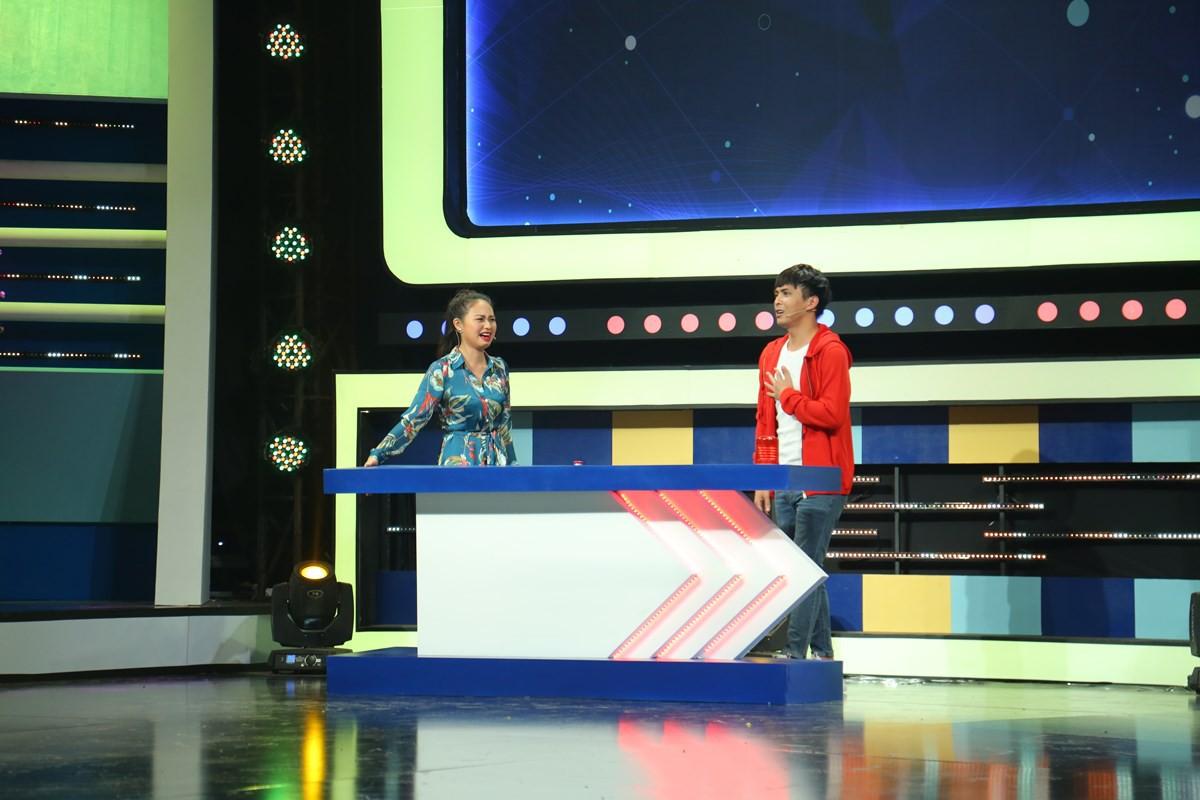 Hồ Quang Hiếu không chỉ lanh chanh mà còn làm đồng đội bị thương khi chơi gameshow - Ảnh 6.