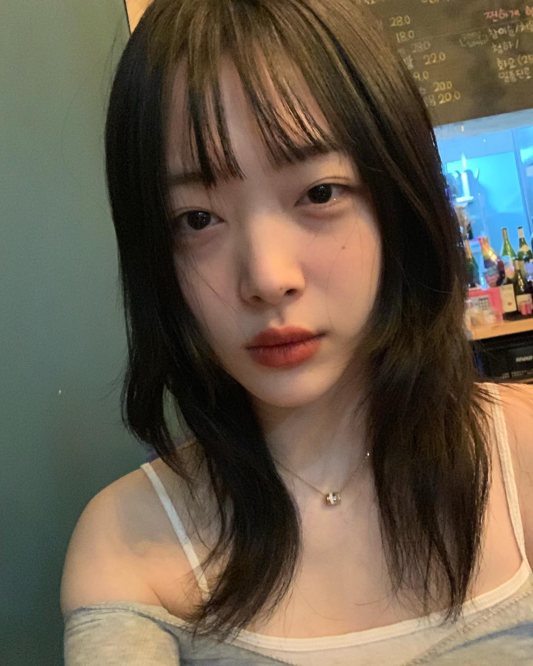 Continuing to show his peculiar photographs, Sulli was deceived this time because of the beauty that slipped but was released when he was released? - Photo 2.