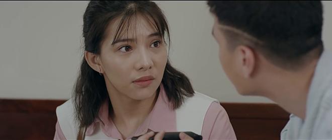 Nhói lòng thổn thức khi xem 4 chuyện tình tay ba tốn nước mắt nhất màn ảnh Việt - Ảnh 2.