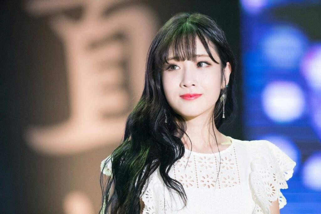 Ngược đời idol Kpop là visual nhưng không nói thì chẳng ai hay: Đẹp cực phẩm nhưng toàn bị thành viên khác lấn át - Ảnh 19.