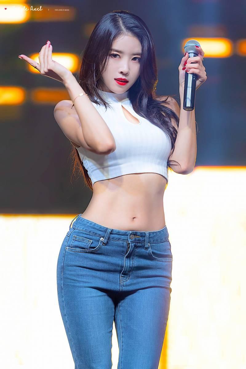 Ngược đời idol Kpop là visual nhưng không nói thì chẳng ai hay: Đẹp cực phẩm nhưng toàn bị thành viên khác lấn át - Ảnh 23.
