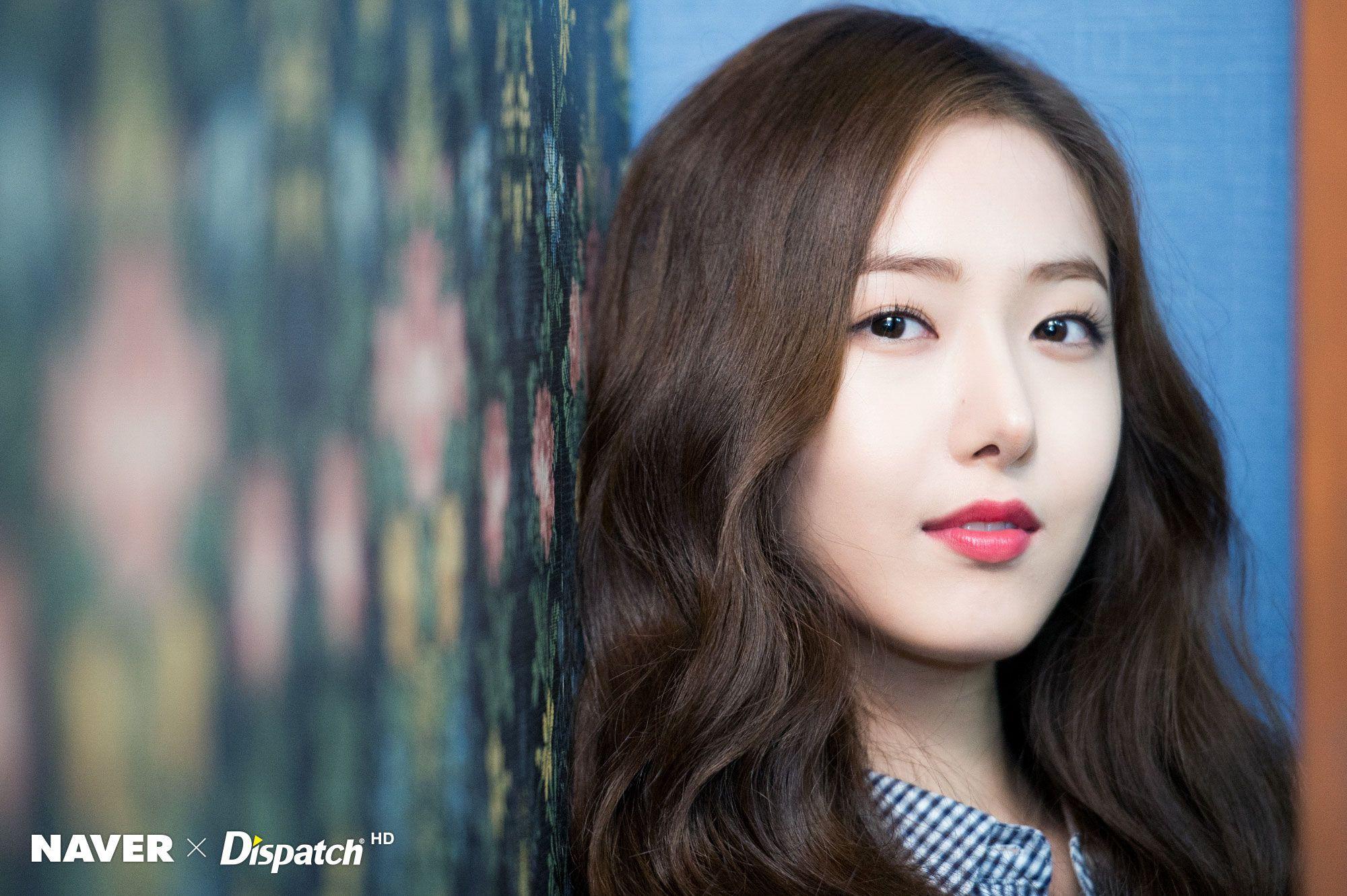 Ngược đời idol Kpop là visual nhưng không nói thì chẳng ai hay: Đẹp cực phẩm nhưng toàn bị thành viên khác lấn át - Ảnh 6.