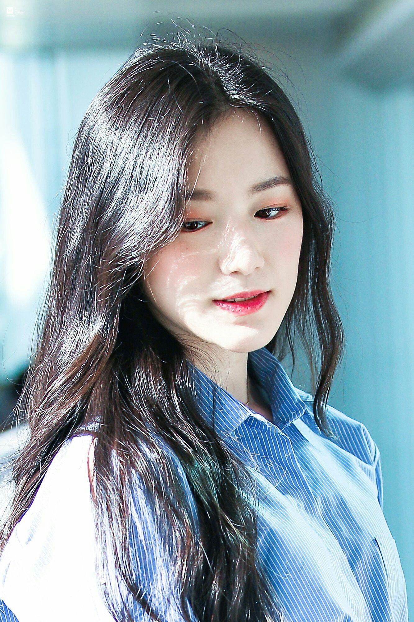 Ngược đời idol Kpop là visual nhưng không nói thì chẳng ai hay: Đẹp cực phẩm nhưng toàn bị thành viên khác lấn át - Ảnh 9.