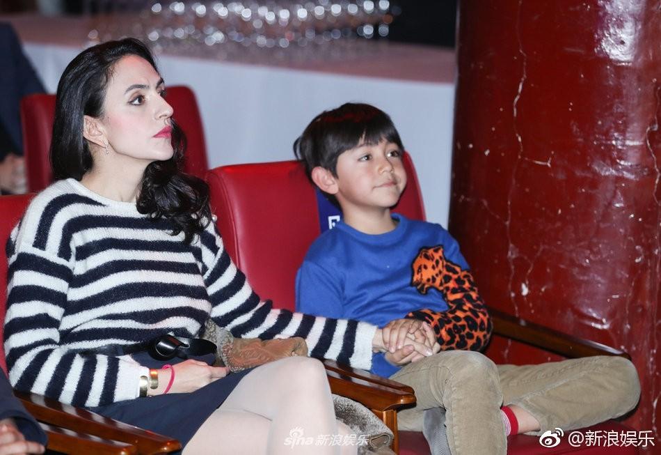 Những đứa con đẹp như thiên thần của dàn sao châu Á: Không ít bé lớn lên trong hoàn cảnh gia đình tan vỡ - Ảnh 13.
