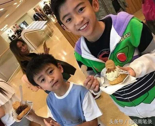 Những đứa con đẹp như thiên thần của dàn sao châu Á: Không ít bé lớn lên trong hoàn cảnh gia đình tan vỡ - Ảnh 30.
