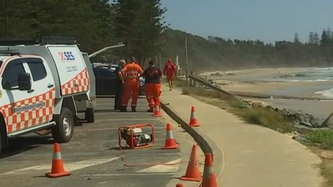 Hai du khách châu Âu mất tích tại bãi biển lướt sóng ở Australia - Ảnh 1.