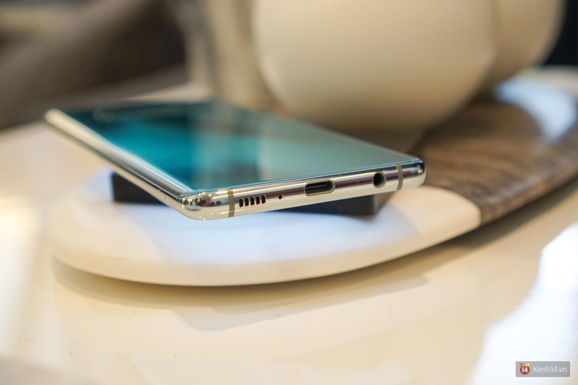 Trên tay Galaxy S10/S10+ giá từ 21 triệu: Như này không đẹp thì không biết thế nào mới được coi là đẹp - Ảnh 4.