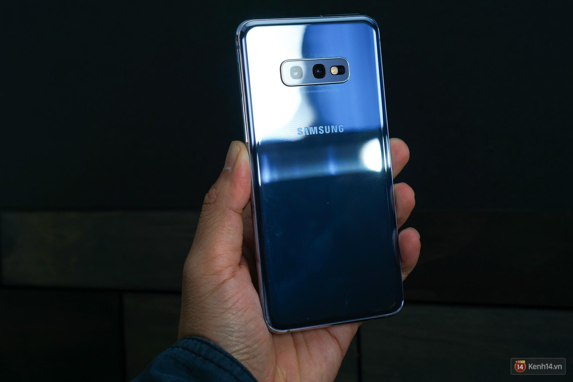 Trên tay Galaxy S10/S10+ giá từ 21 triệu: Như này không đẹp thì không biết thế nào mới được coi là đẹp - Ảnh 10.