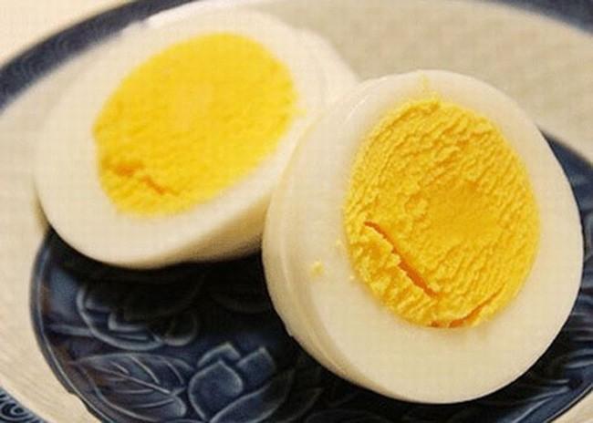 Trứng gà nếu làm theo những cách này thì không chỉ giúp bạn mạnh khỏe mà còn dưỡng nhan đẹp lên trông thấy - Ảnh 2.