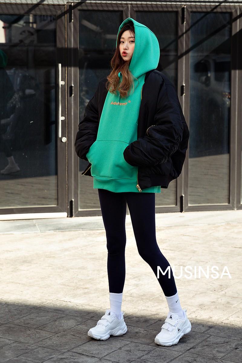 Muốn ăn mặc thoải mái mà sang, đơn giản mà vẫn trendy, bạn chỉ cần xem giới trẻ Hàn diện gì tuần qua là xong ngay - Ảnh 5.