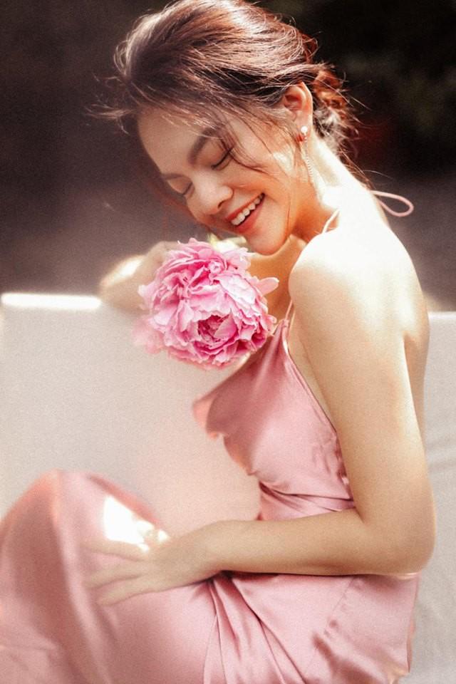 Khổng Tú Quỳnh và loạt sao nữ lột xác xinh đẹp, gợi cảm hơn sau chuyện buồn tình cảm - Ảnh 10.