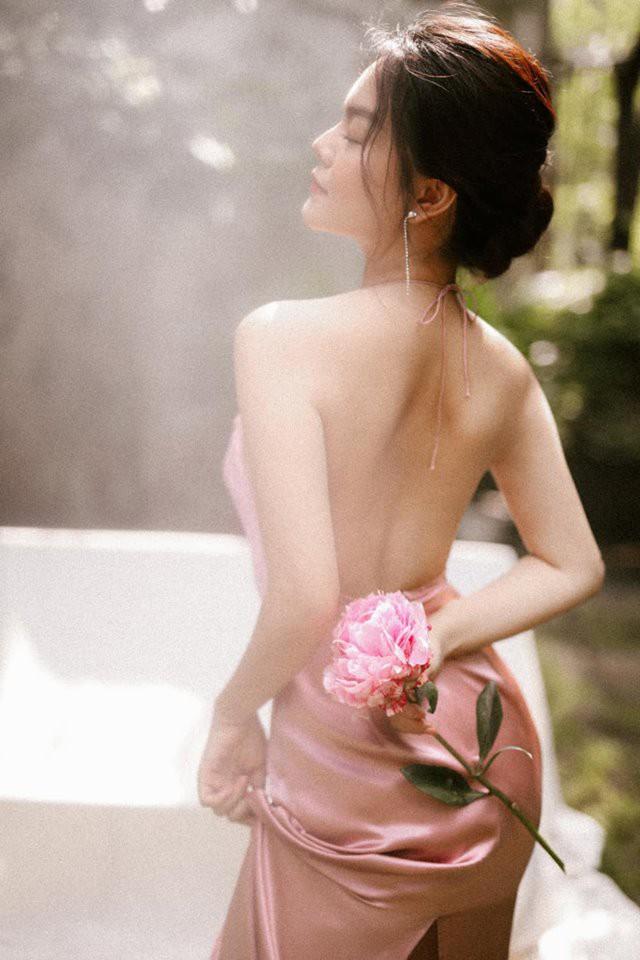 Khổng Tú Quỳnh và loạt sao nữ lột xác xinh đẹp, gợi cảm hơn sau chuyện buồn tình cảm - Ảnh 9.