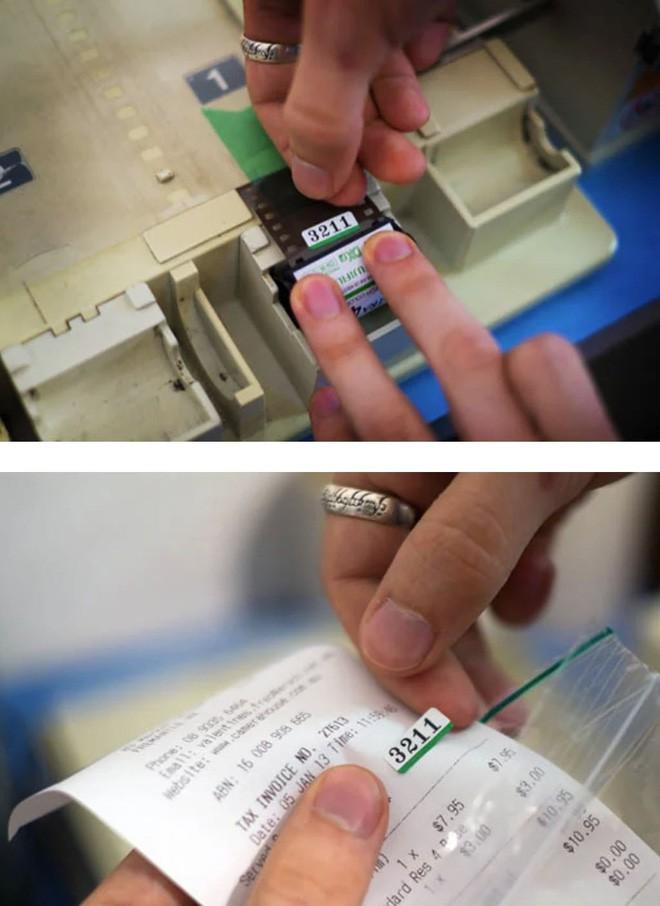 Cận cảnh quá trình tráng rửa và scan ảnh film 35mm tại các phòng lab, nhìn xong mới thấy trầm trồ - Ảnh 7.