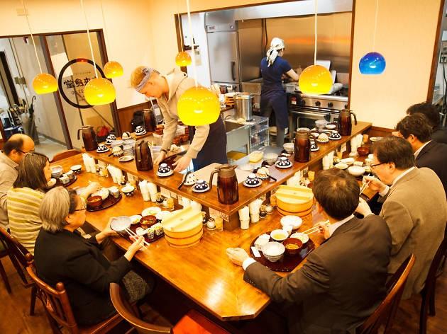 Hết tiền vẫn có thể ăn miễn phí tại nhà hàng có quy định thiết thực này ở Nhật Bản - Ảnh 1.