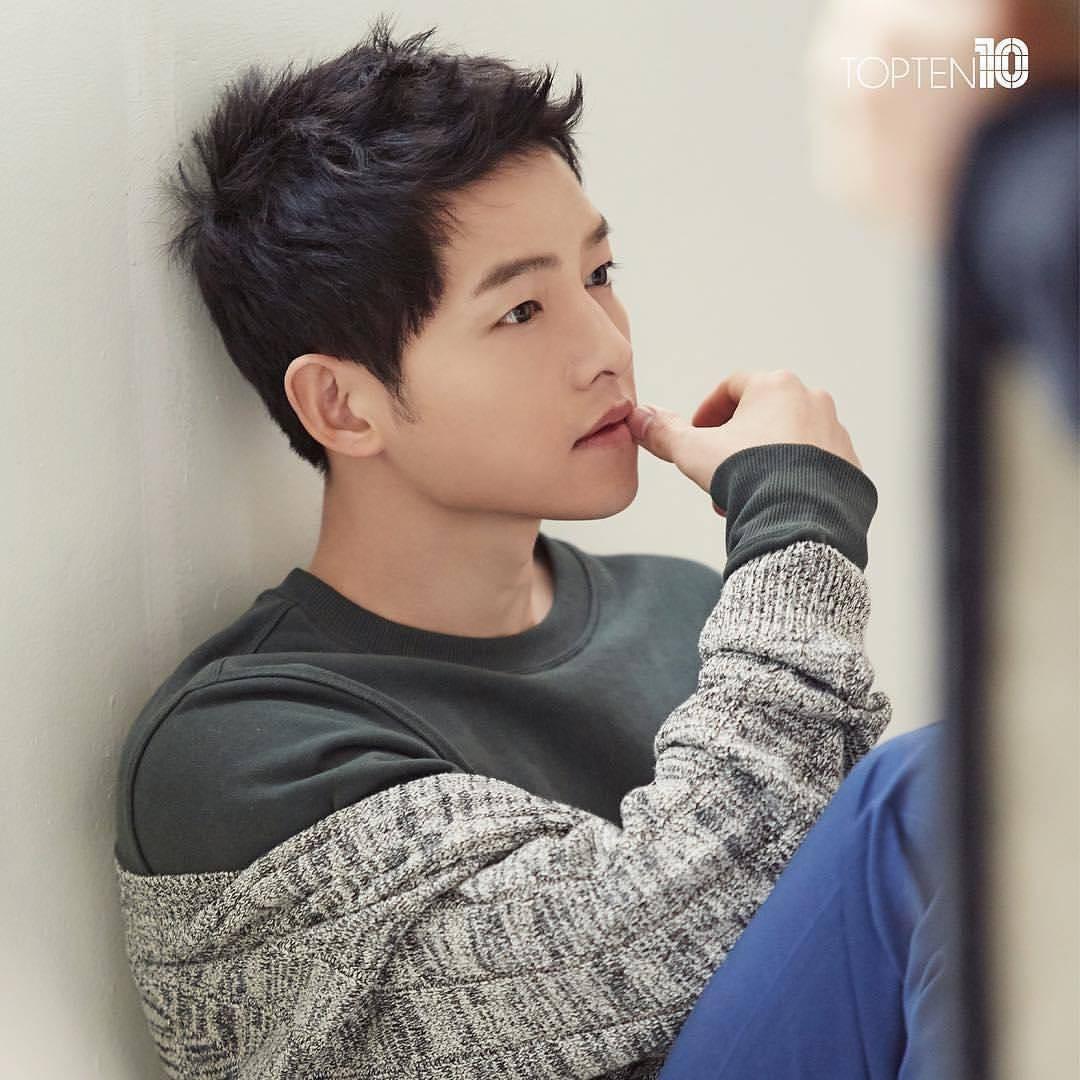Đặt chồng của 3 mỹ nhân Song Hye Kyo, Kim Tae Hee, Jeon Ji Hyun lên bàn cân: Chênh lệch từ gia thế tới ngoại hình - Ảnh 18.