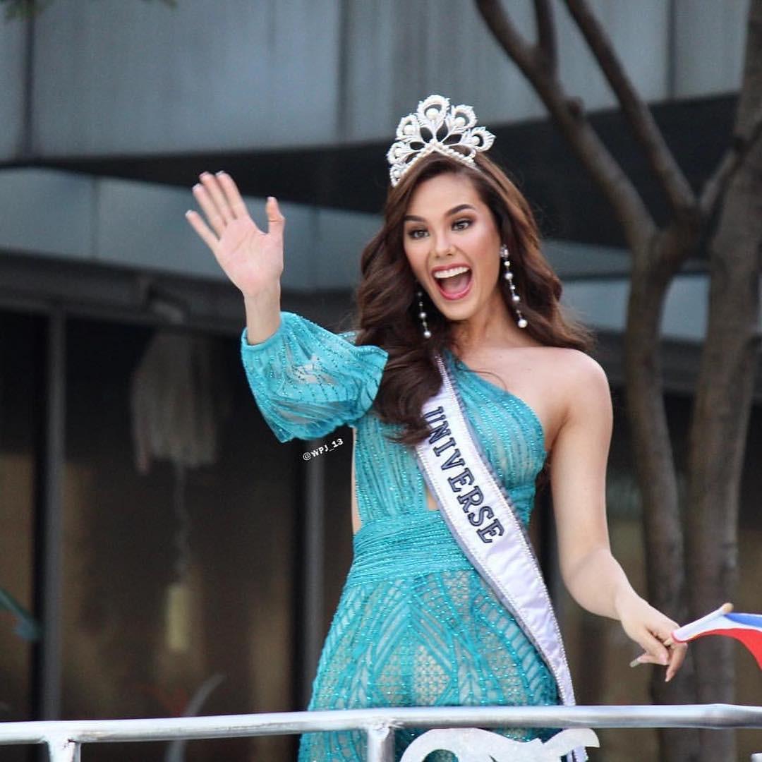 Sự cố hi hữu trong lịch sử Miss Universe: Đang diễu hành, Hoa hậu làm vỡ vương miện 6 tỉ và phản ứng bất ngờ sau đó - Ảnh 6.