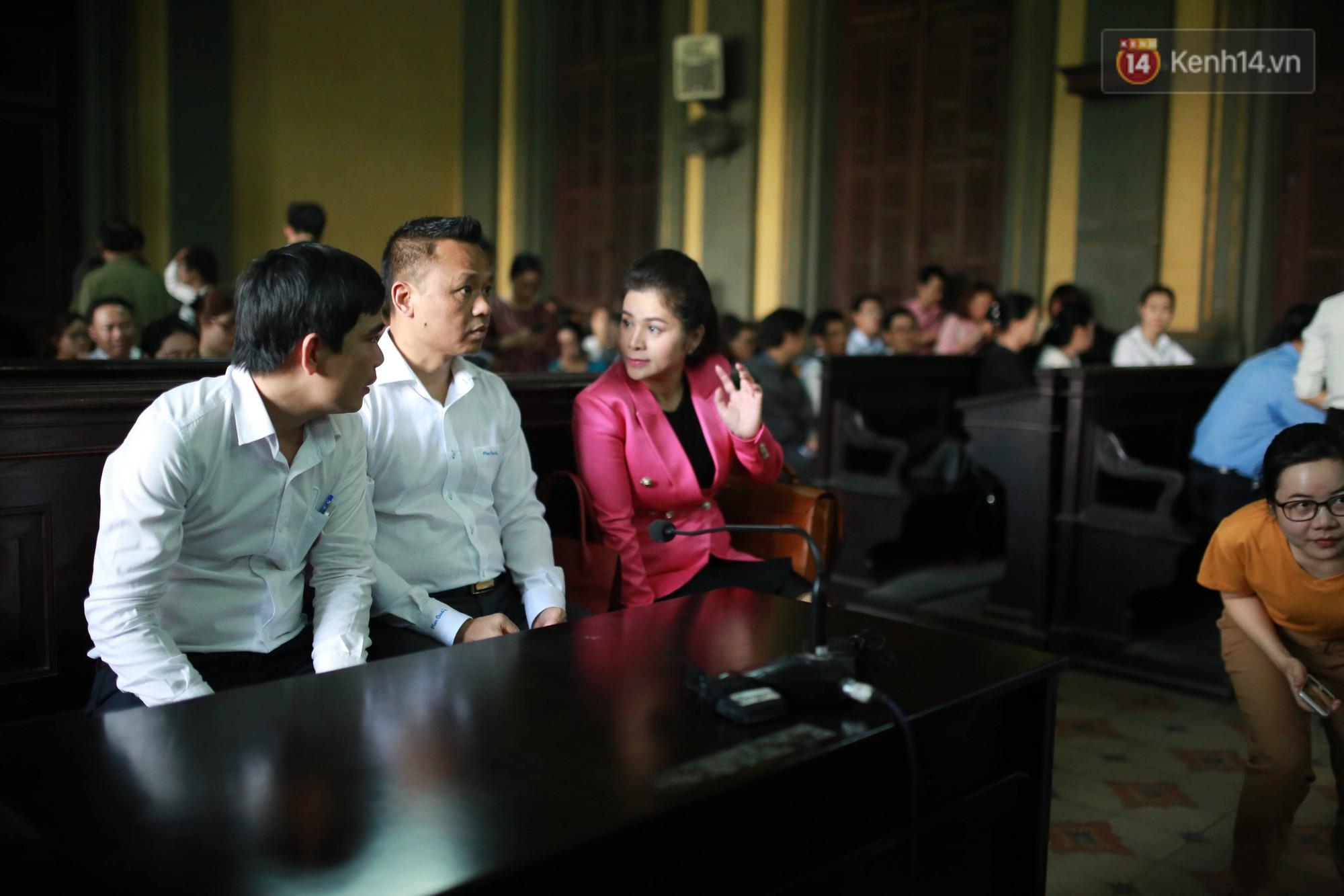 Ông Đặng Lê Nguyên Vũ chia sẻ trước phiên xử vụ ly hôn tranh chấp điều hành cà phê Trung Nguyên: Tôi vẫn có thể hàn gắn với vợ nếu như cô ấy tu tâm - Ảnh 2.