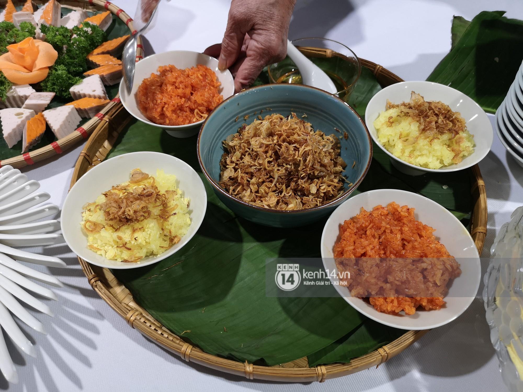 Phóng viên các nước hào hứng khi được thưởng thức ẩm thực nổi tiếng Hà thành tại trung tâm báo chí quốc tế hội nghị thượng đỉnh Mỹ - Triều - Ảnh 5.